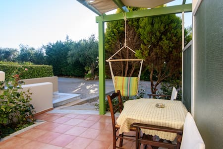 Kyparissia Garden Retreat - Cosy Master Suite
