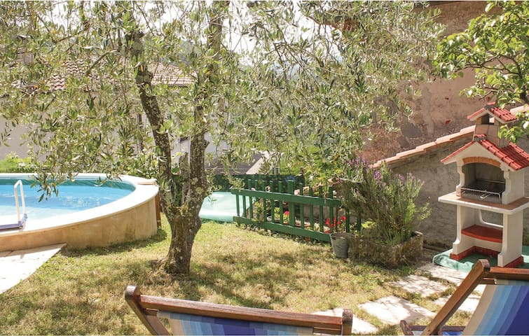 Holiday cottage with 5 bedrooms on 180m² in Bagni di Lucca LU