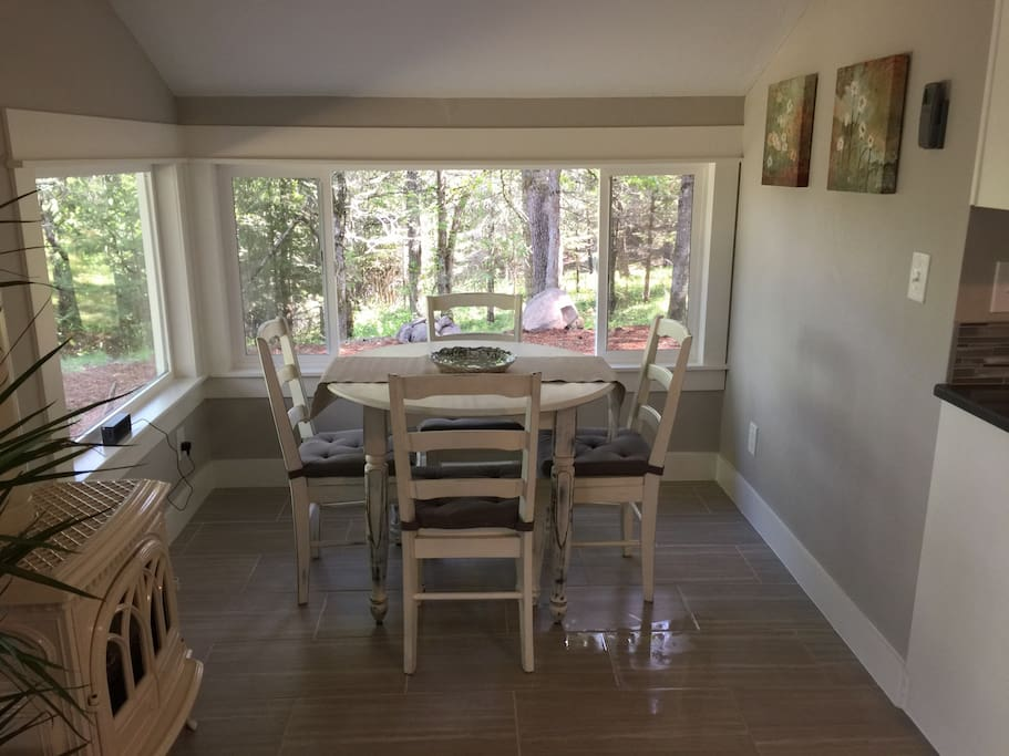 Romantic upscale cabin in the woods cabins for rent in for Romantic cabins oregon
