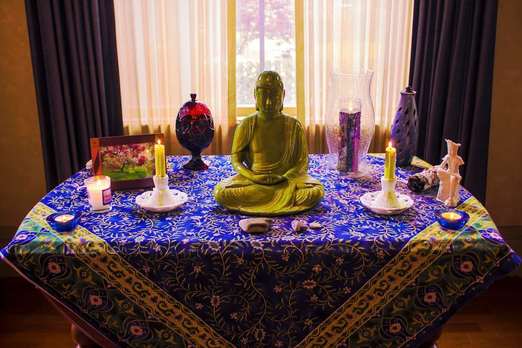 Om... Loft is lovely Meditation spot. But welcome to use living room downstairs and sit by the altar