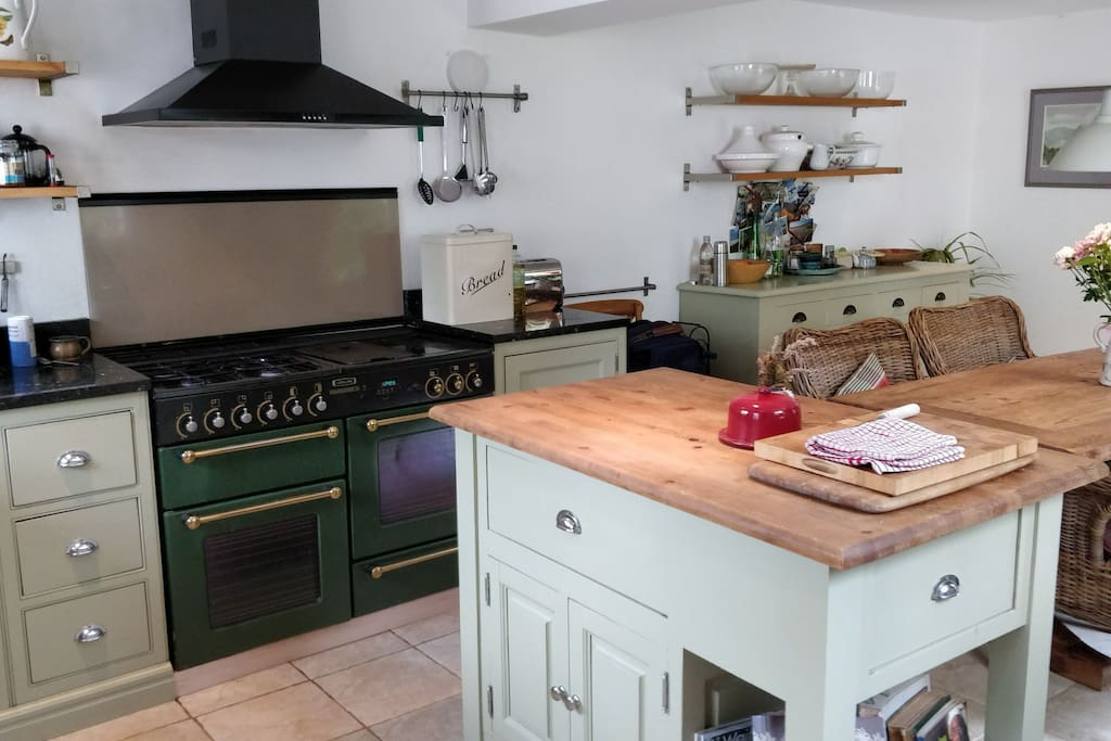 Traditional British country house inspired Kitchen/Diner. Guests are welcome to cook up meals