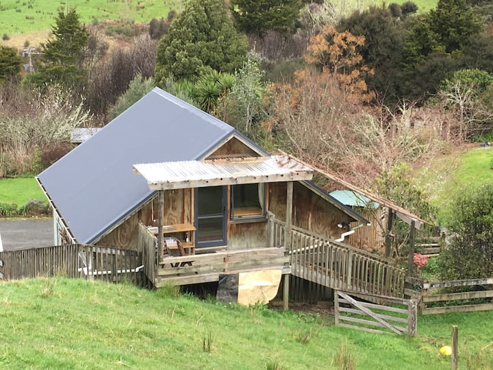 Puhoi, quiet shared room for backpacker