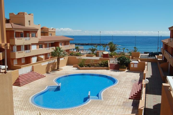Apartamento tranquilo gran terraza al lado del mar