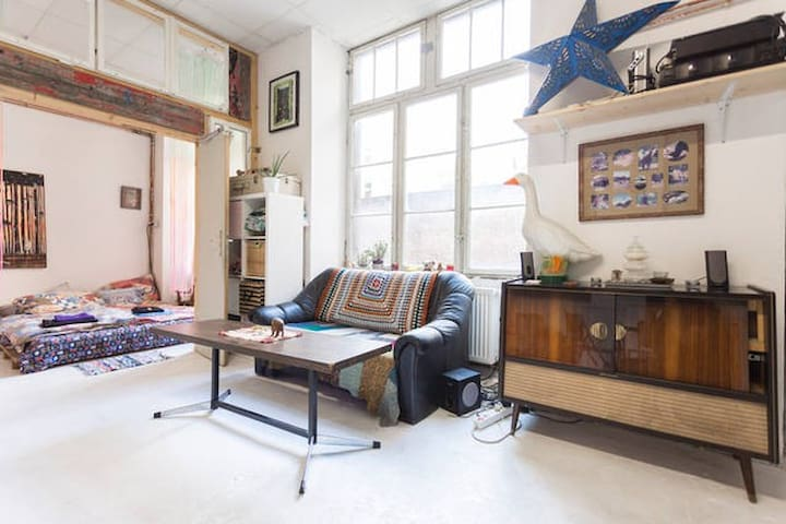 Artist Loft Living --->>>  The Shack