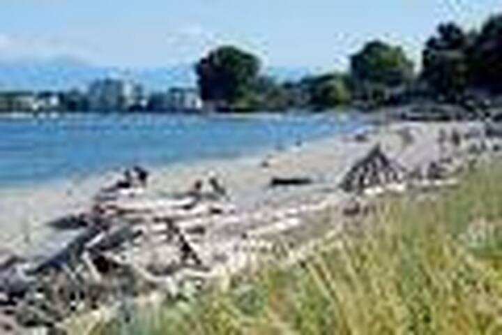 Willows Beach
