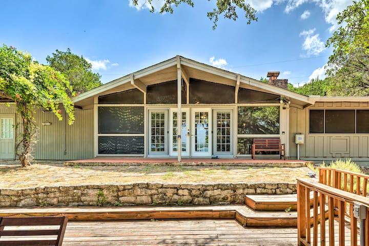 Lago Vista Home w/Deck, Fire Pit & Lake Views