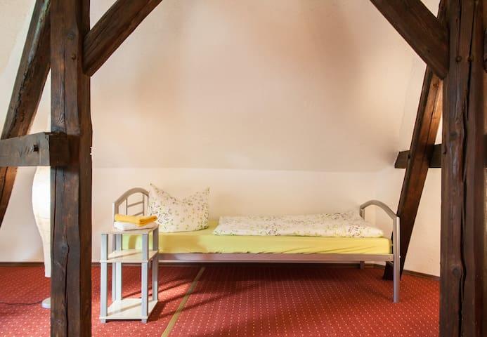 Zimmervermietung - Seegebiet Mansfelder Land - Hus