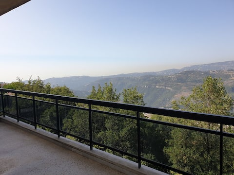 Bhamdoun, Lamartine Valley View Seasonal Rental