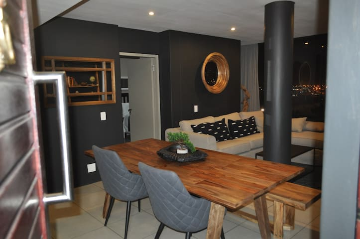 SUPER COZY HOME WITH THE BEST VIEW IN DURBAN