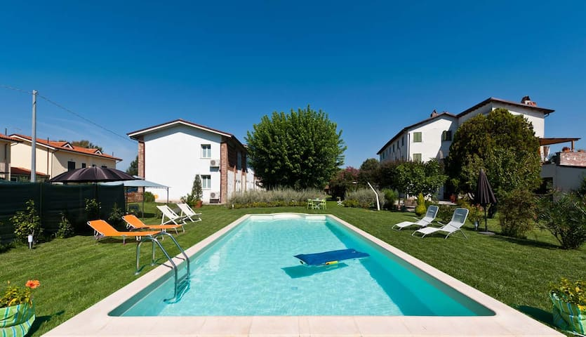 Pleasant flat with pool in Lucca - Lucques - Appartement