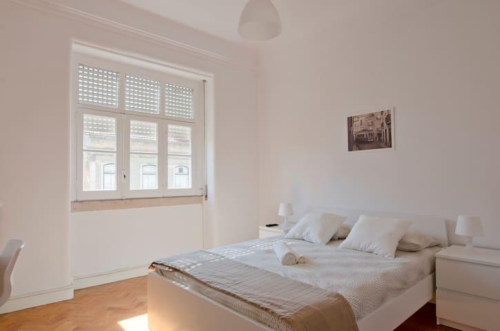 NEW Fabulous Room in City Center..... - Lisboa - Flat