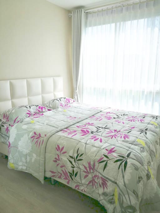 Bedroom with 1 double bed.