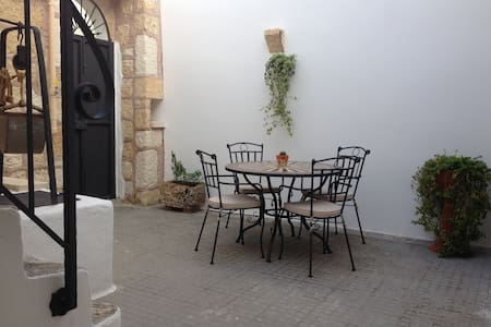 La corte antica (dimora tipica nel salento) - Montesano Salentino