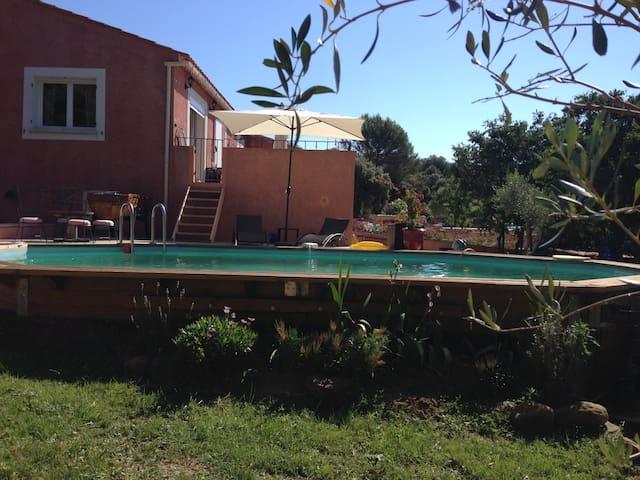 Appt en rez de villa tout confort - La Capelle-et-Masmolène - Apartamento