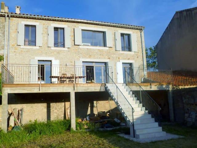 Stilvolles Ferienhaus im Languedoc - Luc-sur-Orbieu - Casa