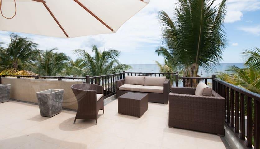 Modern Beachfront Penthouse - Trou-aux-Biches - Apartmen