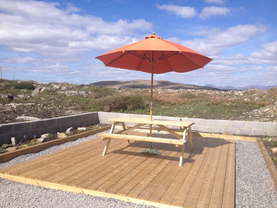 Sunny Deck with picnic table and BBQ