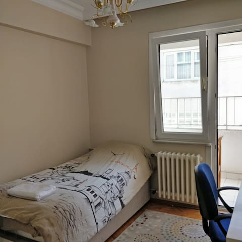 Cosy and Comfortable Room with Single Bed