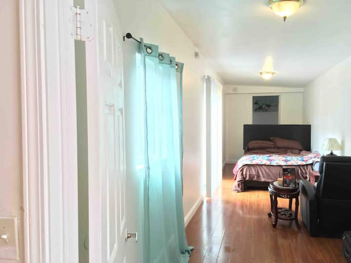 PrivateCleanQuiet2bedrooms 2bedsWithAC$59 RoomM