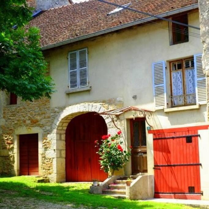 Jura retreat maisons louer franche comt franche for Maison container franche comte