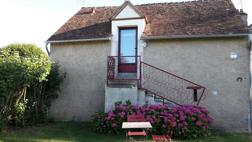 Charmant studio au calme à Châtillon sur loire