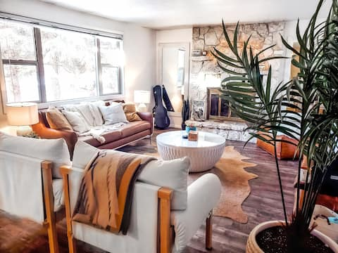 2BR 1.5BA Downtown Pinedale at Boyd Skinner Park
