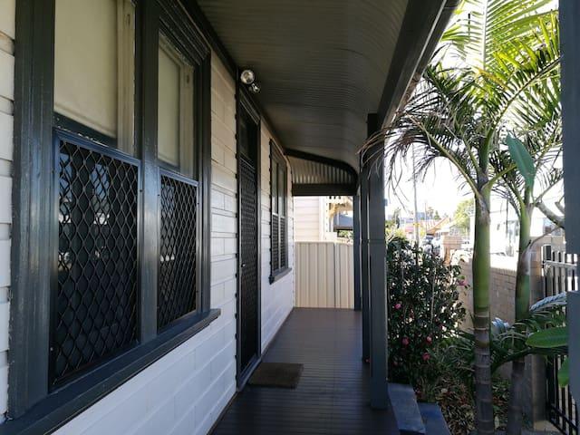 Comfortable Harbourside home