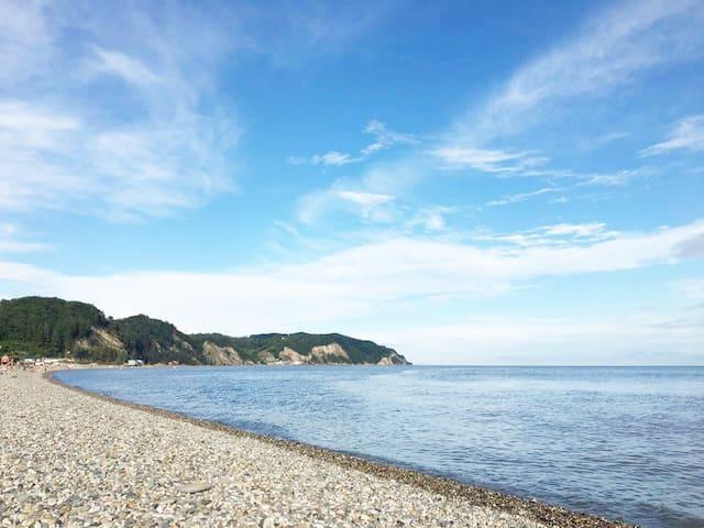 Дом у моря. Трёхместный