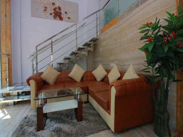 Triple Non Ac Room (Hotel Pearl)