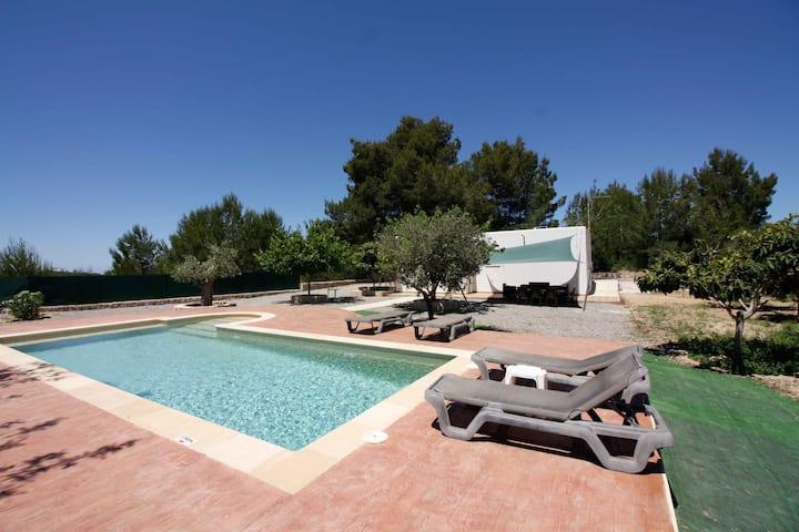 Cozy house with pool in San Rafael.