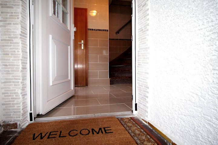 BW08 4 Zimmer Ferienhaus für Monteure in Giengen an der Brenz mit gratis W-LAN