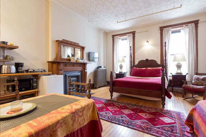 Private Studio Apartment in a Historic Brownstone