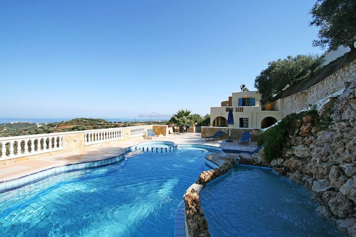 Villa Kalypso with 3 BD and private pool