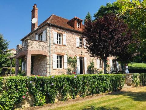 Restored Stone Farmhouse in Champagne Vineyards