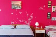 camera da letto con letto singolo aggiunto
