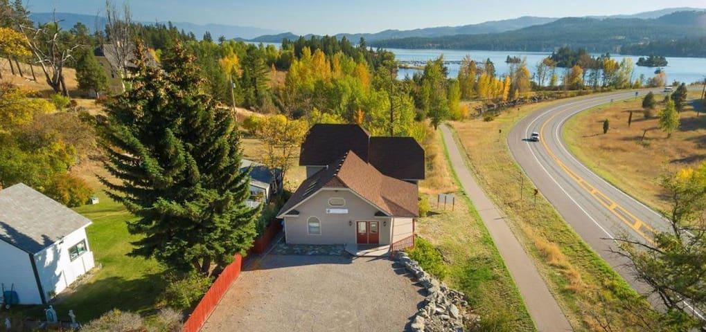 North Flathead Lake Home near Kalispell, Montana