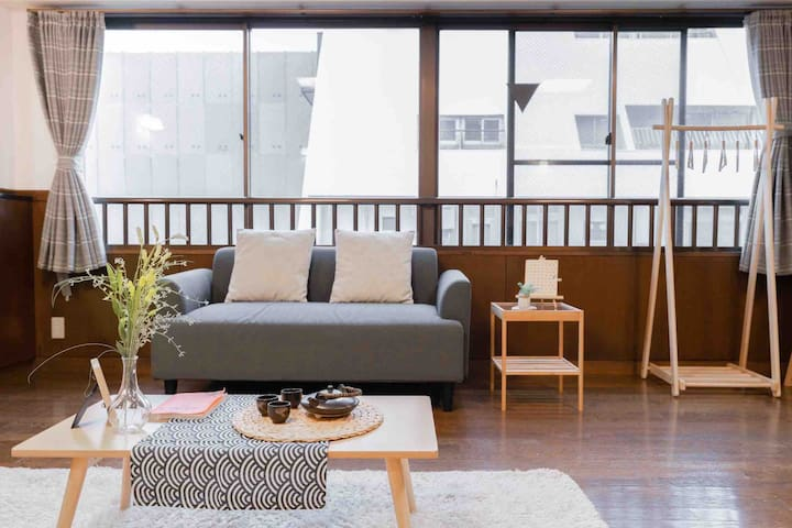NEW!150㎡ 3 rooms! 5 mins' walk to Shinsaibashi!