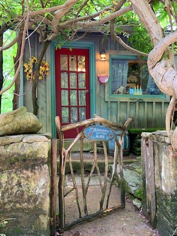 Enter the secret hideaway of Birdsong Cottage