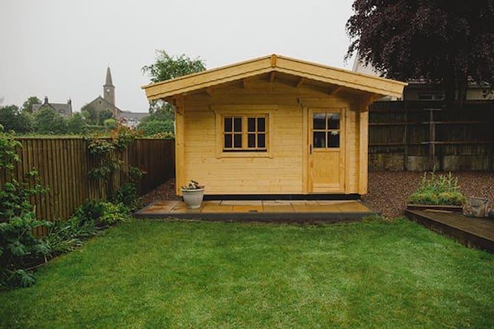 Cosy Log Cabin, FIFE  near St. Andrews/Edinburgh