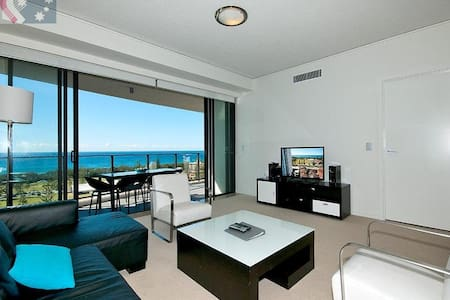 3 Bed Apartment in heart of Broadbeach - Broadbeach
