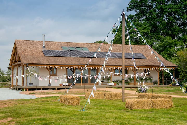 The Straw Lodge at Fordhall Organic Farm