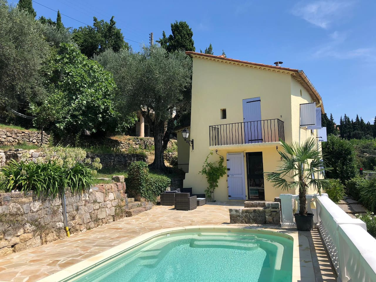 Mas, 120 m2, in Magagnosc Grasse with beatifull seaview and heated pool.