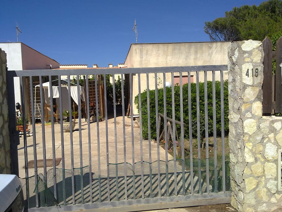la casa vista dall'esterno