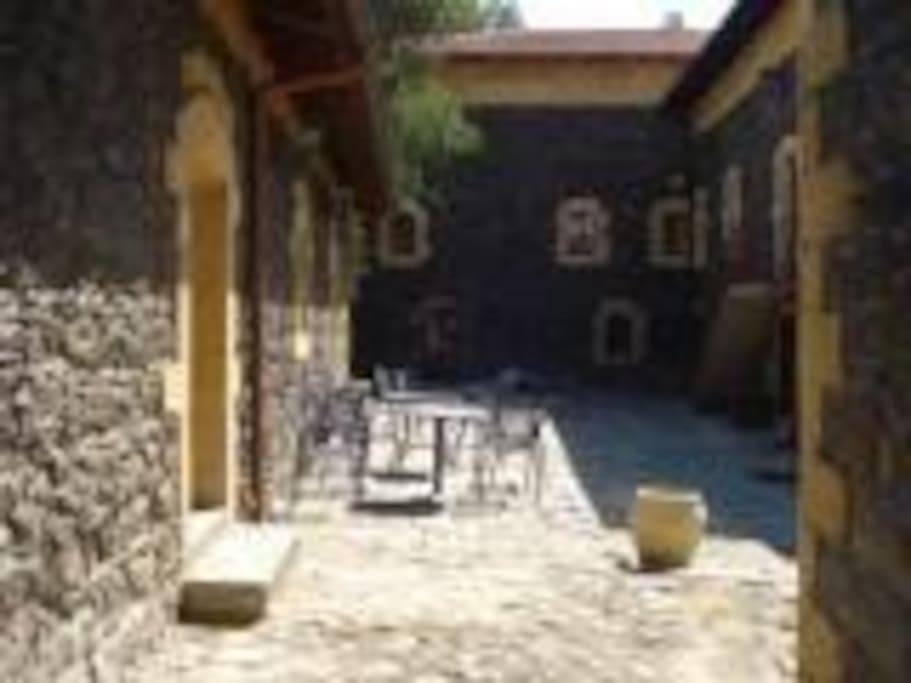 Villa Renna- Cortile