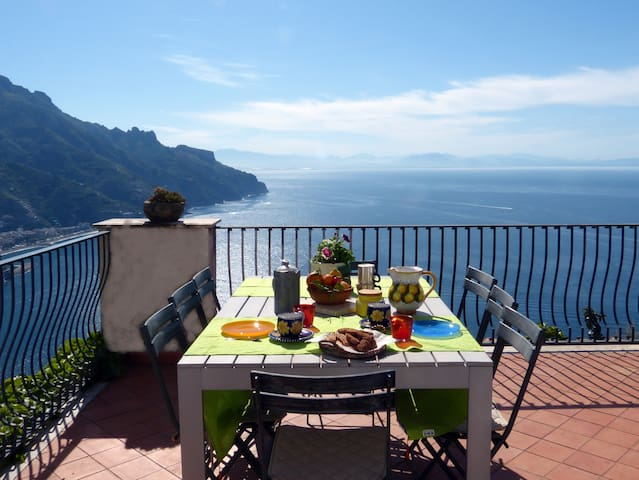 Ravello Villa with Stunning Views - Ravello - Villa