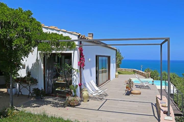 Villa Talia