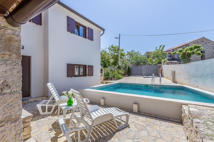 Villa Mala Hiza