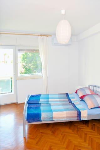 COZY ROOM WITH PRIVATE BATHROOM - Zagabria - Bed & Breakfast
