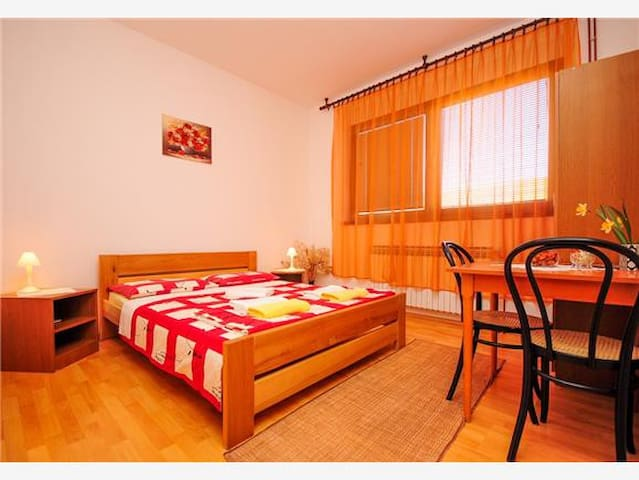 Rendulić Rooms - Rakovica - Talo