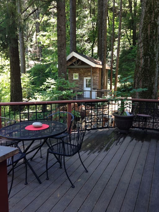Deck off main cabin looking out to cabinette.